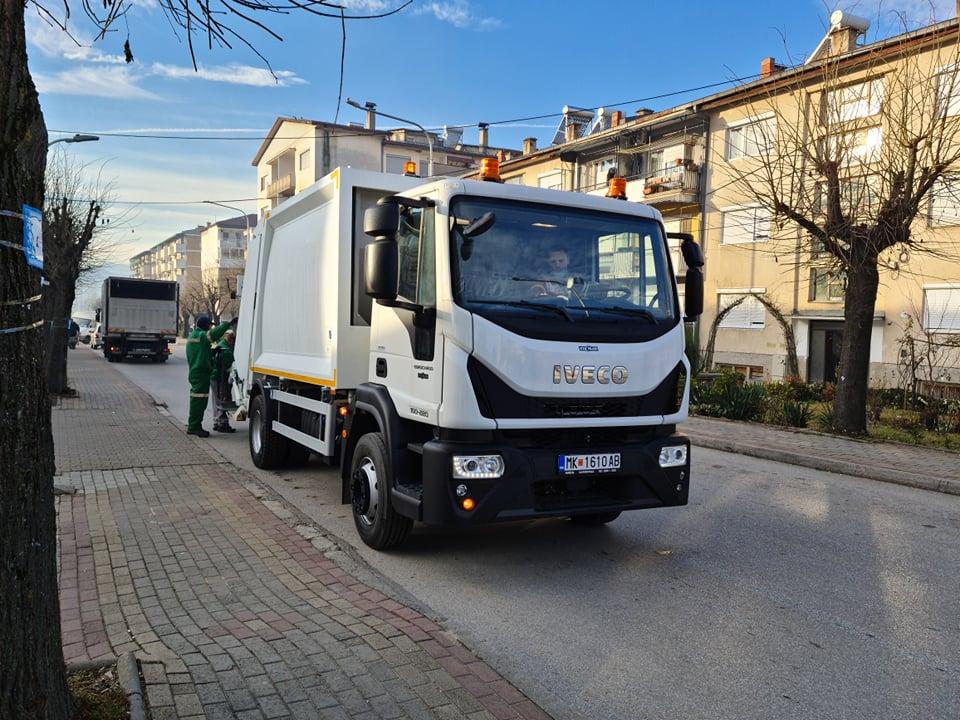 """ЈП """"Камена Река"""" обезбеди современо возило за транспорт на смет"""